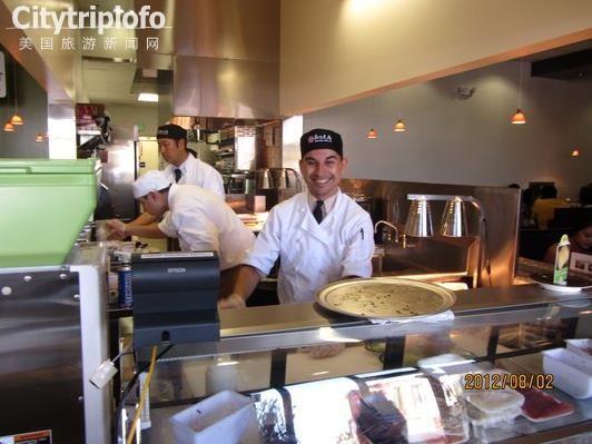 《美味寿司Kula Revolving Sushi Bar》