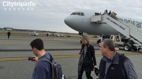 美国航空一飞纽约航班遭炸弹威胁 乘客疏散