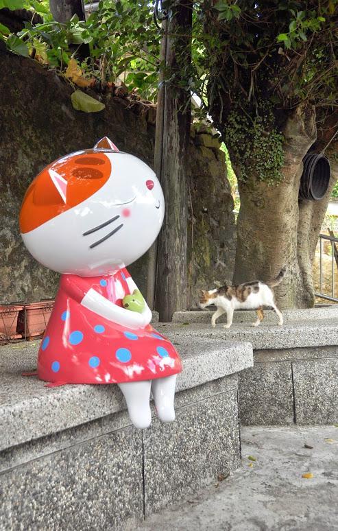 Q版猫咪公车站牌…猴硐猫村翻新 猫奴们疯狂吧!