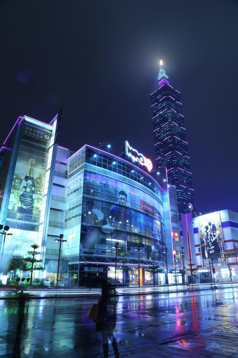 《绝美!今晚紫漫台北城 原来都是为了『赞』助他们…》