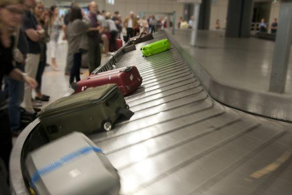 《行李托运不及时?盖特威克机场评选优劣航企》