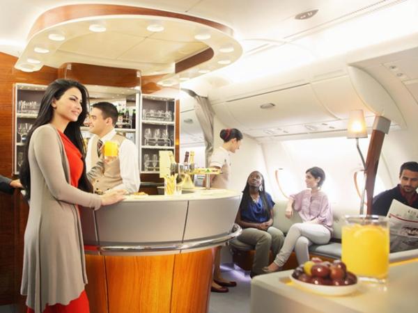 阿联酋航总裁力挺A380:市场需要巨无霸客机