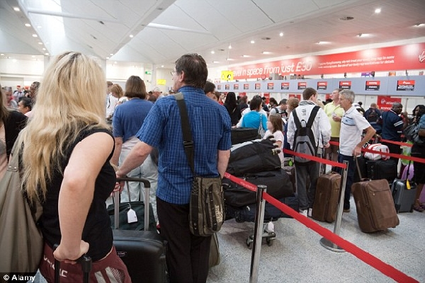不满工资待遇 英机场员工欲在圣诞节前罢工