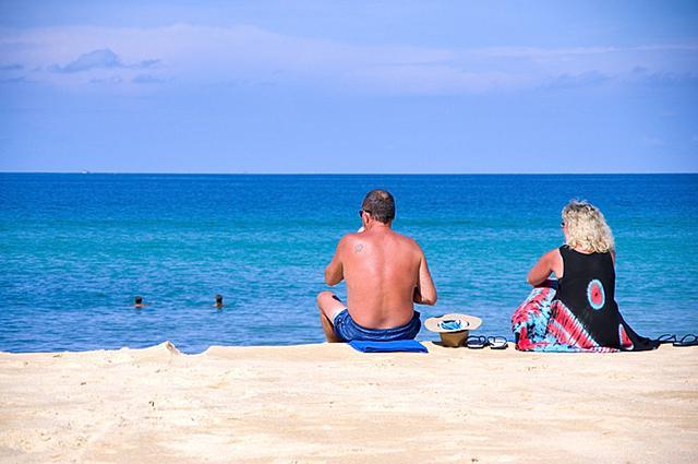 《游世界|普吉岛三大海滩之一 多了自由与悠闲!》