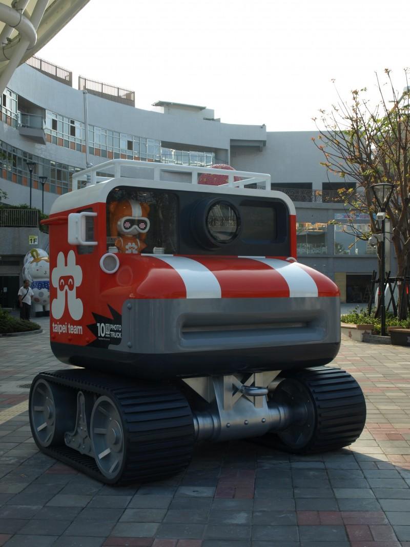 跟着台北寻宝队探险儿童新乐园 不要错过「换卫兵」…