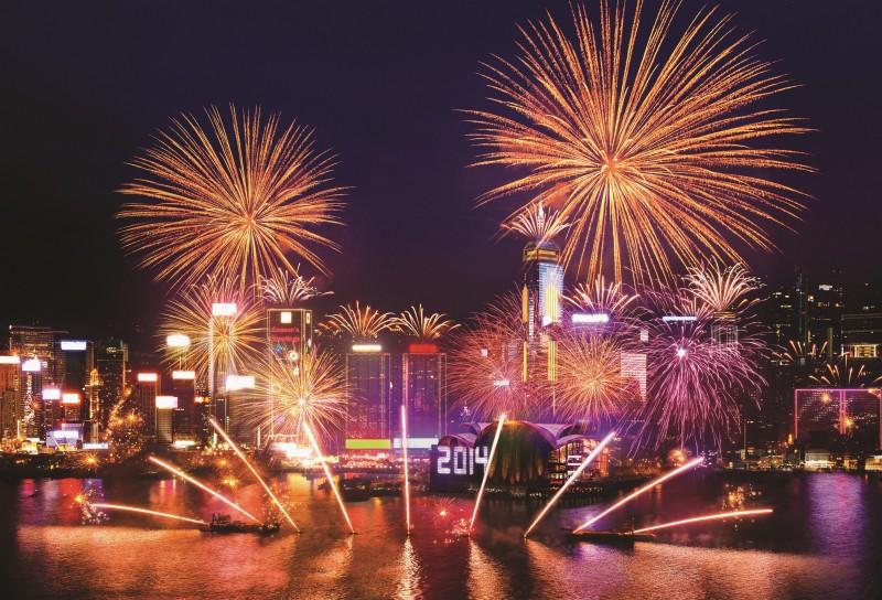 香港下雪了!跨年烟火不仅看得到 还闻的到!