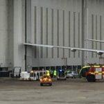 英国航空飞机撞上机库 机翼翼梢受损