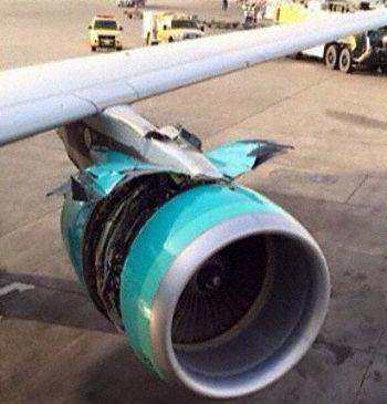 《沙特一客机爬升时发动机整流罩打开后被撕裂》