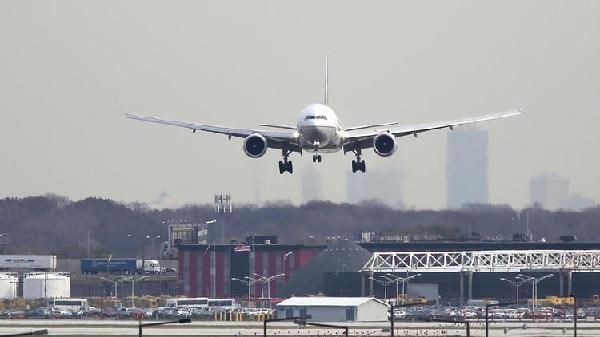 美联航违规货运 面临130万美元罚款