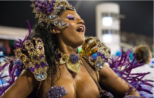 巴西圣保罗嘉年华学校花车游行开始网络售票