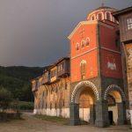希腊圣山修道院禁止女人和雌性动物入内遭质疑