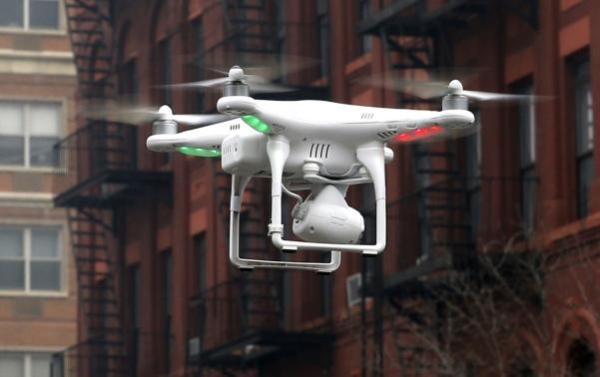 《美商业无人机监管草案出炉 无人机快递或没戏》