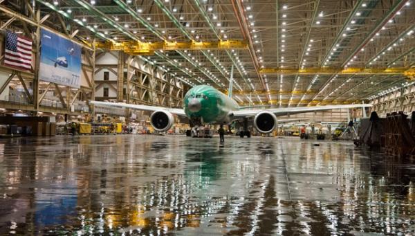 《分析:波音777能否避免产能削减?》