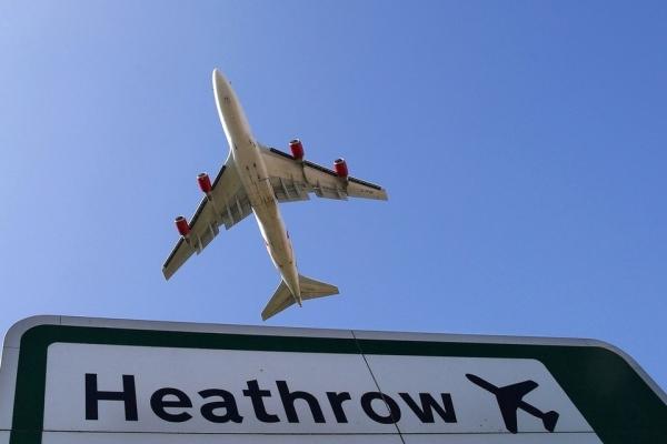 《希思罗测试以时间分隔进近飞机 减少延误》
