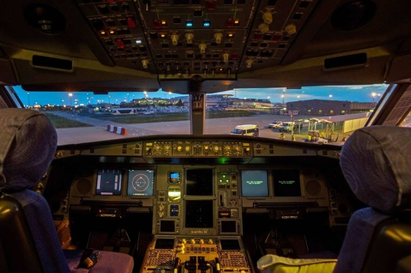 《ICAO将力推驾驶舱摄像机 遭飞行员工会反对》