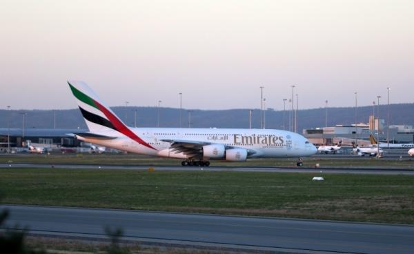 《阿联酋航A380飞珀斯 西澳迎来巨无霸新时代》