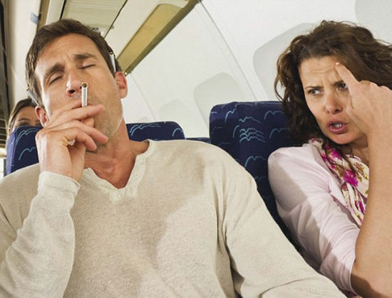 《在飞机上还能做这些?全球九大奇葩航空服务》