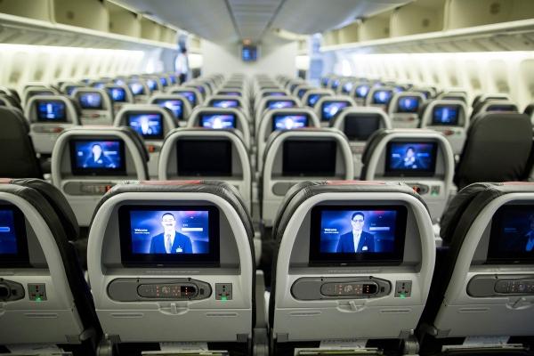 《波音为增777座位数出大招 卫生间缩小多装14座》