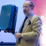 要买新箱子?国际航协出台手提行李尺寸新建议