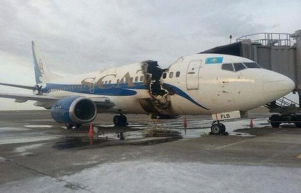 SCAT航空一架737在地面爆炸起火 飞机被毁