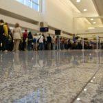 TSA劣迹斑斑 机场安检满意度仍超八成