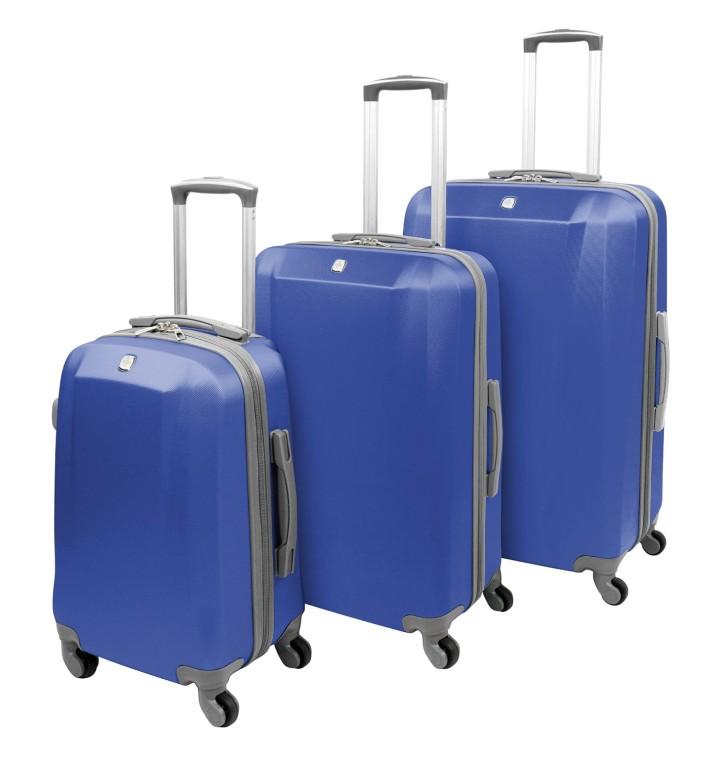 新尺寸意味着美国航空公司或达美航空公司的随身行李容量将缩减20%,西南航空公司的随身行李容量更大幅缩小40%。 舒默在记者会展示的带轮行李箱为长22吋、宽14吋、深8吋,他说:「目前这个尺寸的行李箱符合随身行李标准,也是数以百万民众牵着在机场、火车跑的行李箱大小。」他说:「一旦採行新政策,这样的行李箱就不再符合随身行李的标准。」 北美各航空公司尚未接受IATA提桉,但是中国国际航空(Air China)、中国南方航空(China Southern)、国泰航空(Cathay Pacific)、哥伦比亚航空