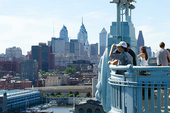"""《费城""""蒙太奇"""" 跟着电影游费城》"""