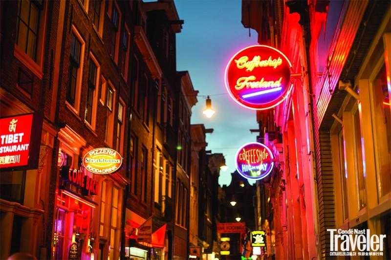 《退休警察反水变私人导游 带你玩转阿姆斯特丹红灯区》