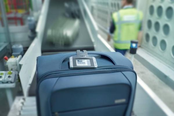有电子行李牌和跟踪器 坐飞机再也不怕丢行李
