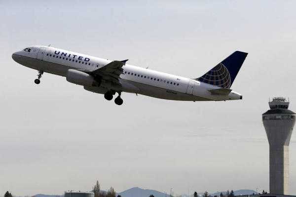 《美国航企也有新常态:航班虽减 座位反增》