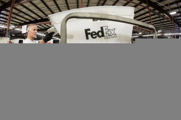 《胃口不小 FedEx将斥巨资购百架波音767货机》