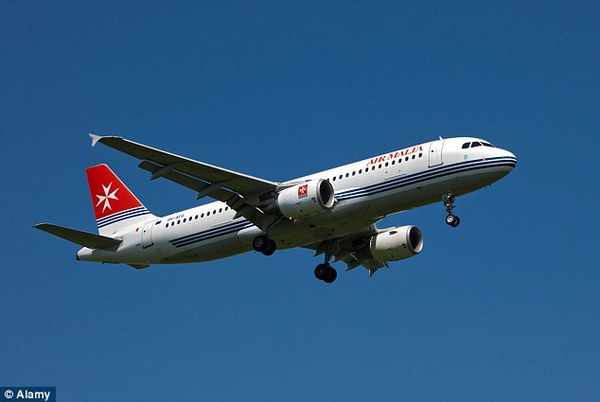 《马耳他航空免费提供豪华经济舱按摩服务》