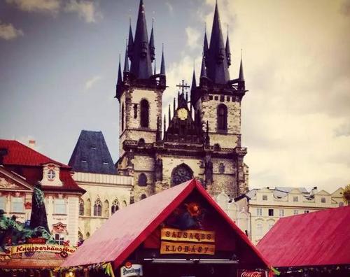 《在布拉格寻找卡夫卡和昆德拉的足迹》