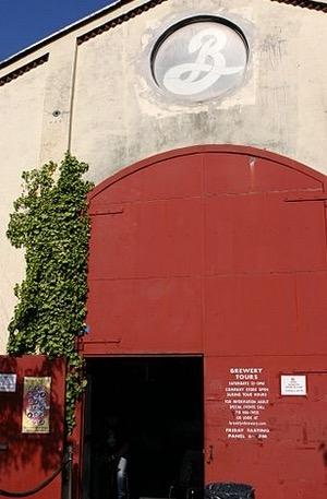 布鲁克林酿酒厂是纽约著名的精酿啤酒厂,也是美国十大精酿啤酒品牌。(Wiki Commons)