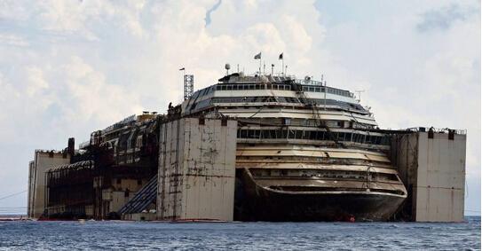这艘从海底打捞的破船 比泰坦尼号还惨烈