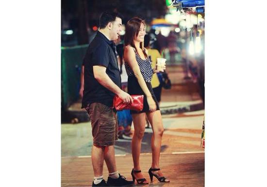 《泰国旅游找女伴合法吗?》