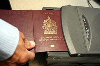 """""""加拿大最新护照""""的图片搜索结果"""