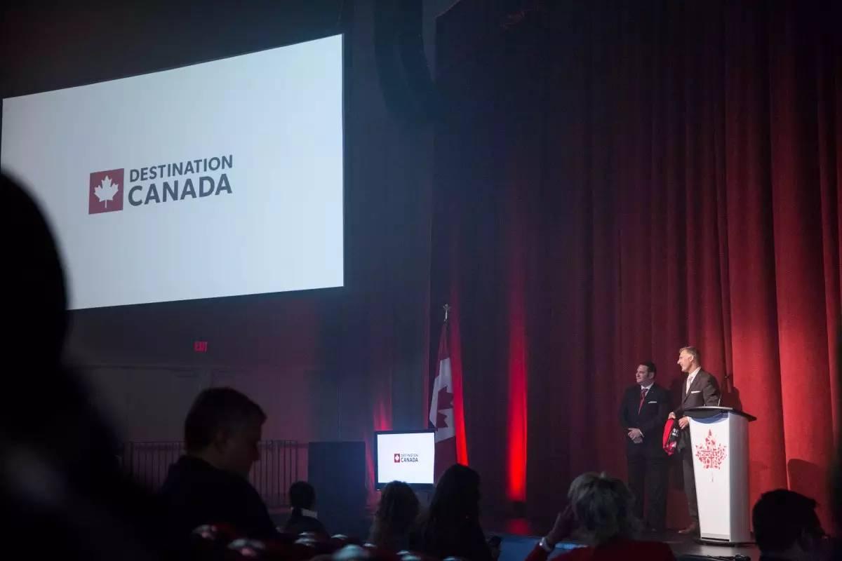 """""""加拿大旅游消费数据""""的图片搜索结果"""