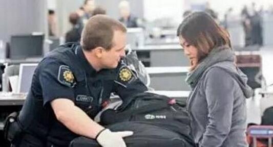 """《国家旅游局发出""""入境美国注意事项""""》"""