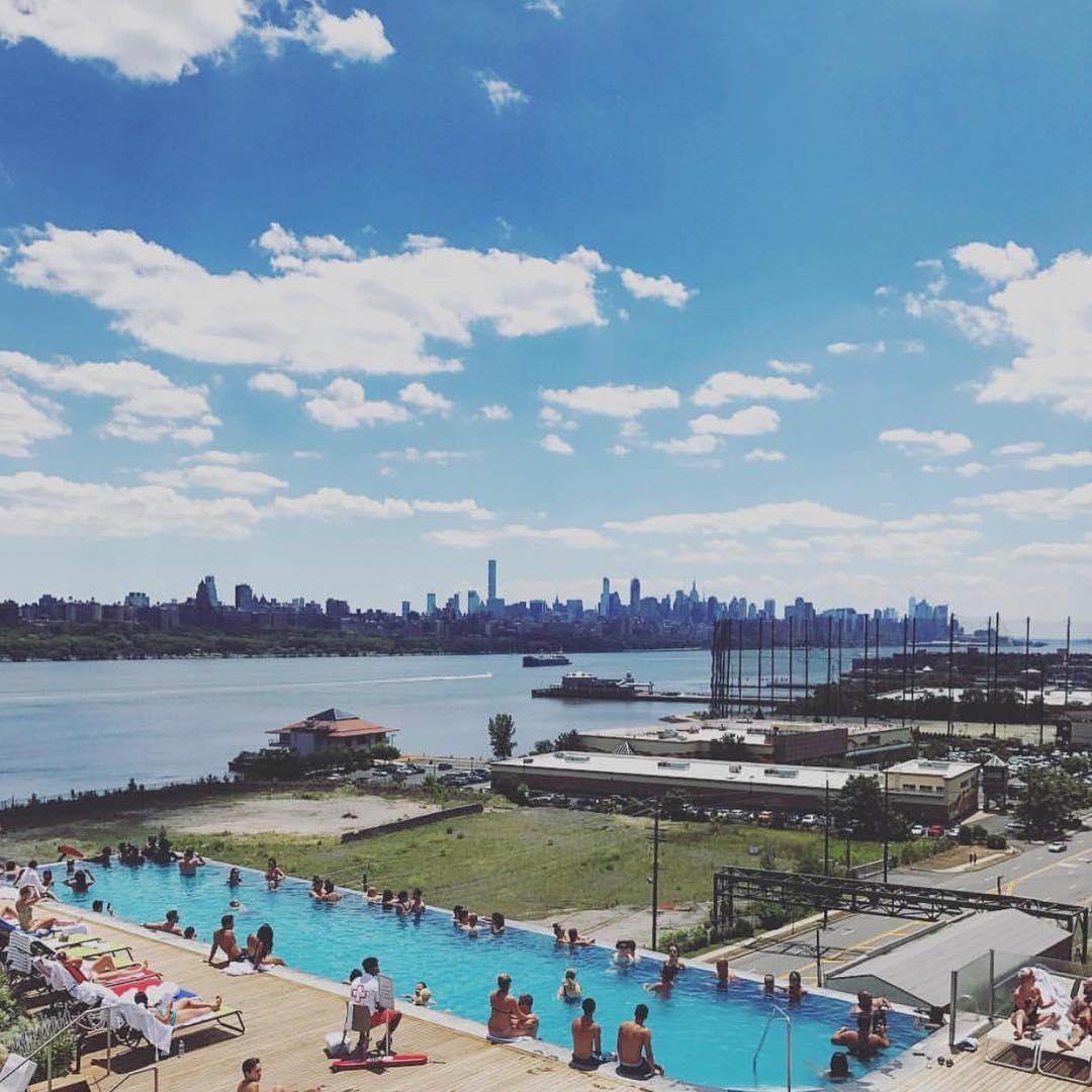 《新泽西高级Spa露天无边游泳池,纽约美景尽收眼底》