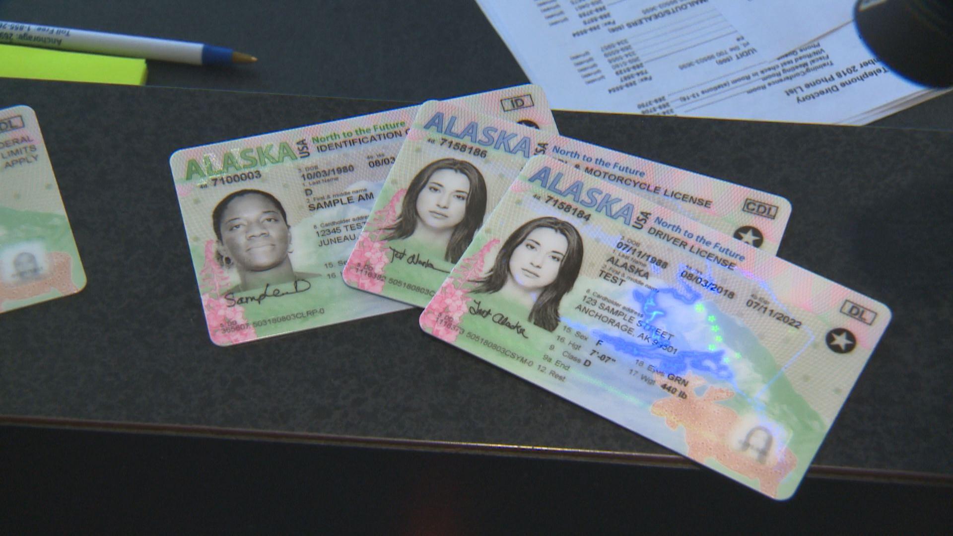 《美国绿卡居民需办理美国real id,否则将无法登机》