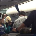 为自闭症女儿要热餐 美国一家人被赶下飞机