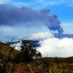 印尼火山再喷发 巴厘岛机场关闭2小时旅客滞留