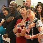 为什么亚裔加入美国籍最多?